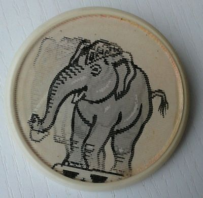 ELEPHANT - Russian vintage children's STEREO lenticular pin