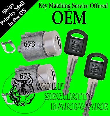 GM Chevy GMC Olds Isuzu OEM Door Key Lock Cylinder Pair W/ 2 GM Keys 702673