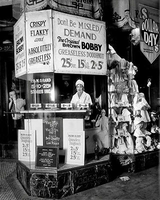 1925 Brown Bobby Doughnut Stand Photo 8x10