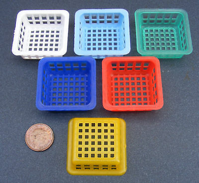 1:12 Scale 4cm x 4cm Size Tumdee Dolls House Plastic Basket Kitchen Accessory S