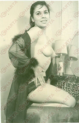 1965 ca EROTICA VINTAGE Naked woman with a black night-gown  *FOTO