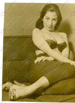 1965 ca EROTICA VINTAGE Woman in tight pants and bra shows tongue * REAL PHOTO