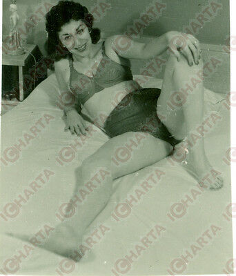 1965 ca EROTICA VINTAGE Sexy mature woman waiting in bed * REAL PHOTO