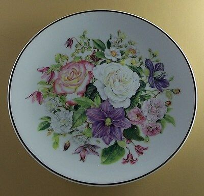 BEAUTY ASCENDING The Majesty of Roses Plate Climbing Royal National Rose Society