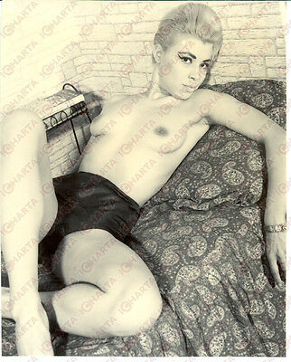 1965 ca EROTICA VINTAGE Sexy girl lying on bed wearing underwear *REAL PHOTO