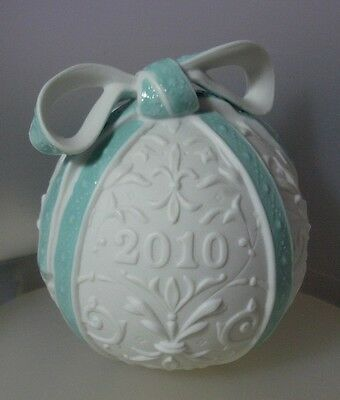 """Lladro Made In Spain   """"2010 Christmas Ball Ii"""" 18338  Mint & Reduced"""