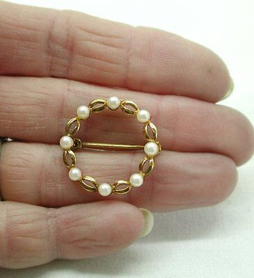 A Pretty Vintage 9ct Gold And Pearl Brooch
