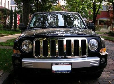 2007- 2010 Jeep Patriot Chrome Grille Insert