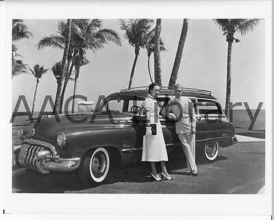 1950 Buick Model 59  w/ Duke & Dutchess of Windsor, Factory Photo (Ref. # 28383)