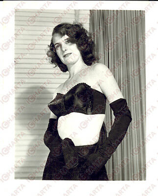 1965 ca USA - EROTICA VINTAGE Mature woman with black gloves *PHOTO