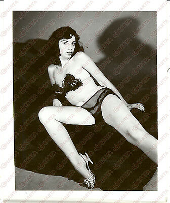 1965 ca USA - EROTICA VINTAGE Woman posing in sheer lingerie *PHOTO