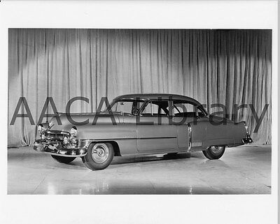 1952 Cadillac Fleetwood Sixty Special, Factory Photo / Picture (Ref. #30227)