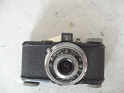 Vintage Herold Products Co Spartus 35F Model 400 Camera