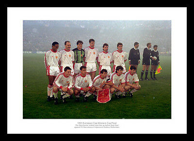 Manchester United 1991 European Cup Winners Cup Team Photo (818)