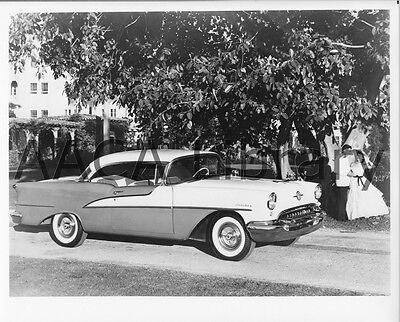 1957 OLDSMOBILE 98 Starfire Holiday Hardtop Factory Photo Picture