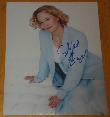 Cybill Shepherd Signed Classy Actress In Bed Photo Autograph Coa Taxi Driver T
