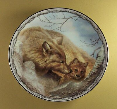 Sheltering Love A MOTHER'S CUDDLE Wolf Plate Wolves #10 Bob Henley Bradford Ex