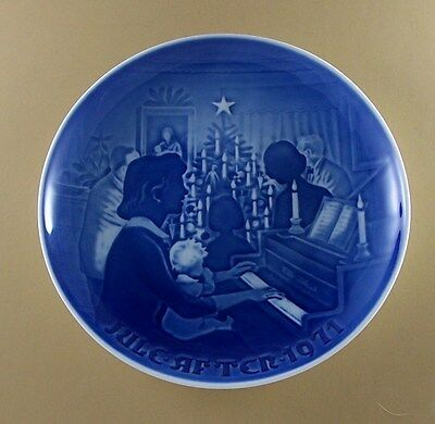 Bing & Grondahl CHRISTMAS 1971 Plate Jule After Lovely! Holiday Piano