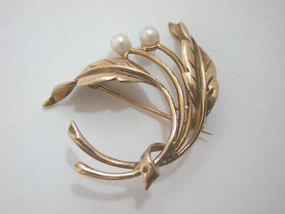 Lovely Vintage 9ct Gold Leaf Brooch Set With Two Beautiful Cultured Pearls
