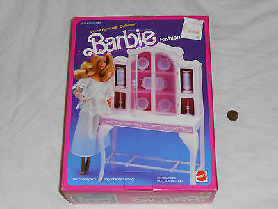 NEW Barbie Dream Furniture Collection FASHION BUFFET 1984 Set Mattel 9479 bufett