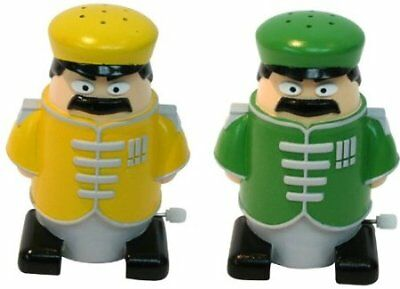 Novelty Walking Sergeant Salt N And Corporal Pepper Shakers Pots Gift Set