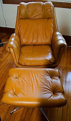 Mid-Century Modern Overman Lounge Chair with Ottoman---in Exceptional Condition