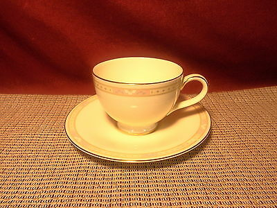 Royal Doulton China Cassandra H5117 Pattern Cup & Saucer Set