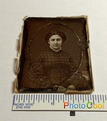 1850s PORTRAIT OF A BEAUTIFUL YOUNG WOMAM DAGUERREOTYPE 1/9 IN FABULOUS  COND#18