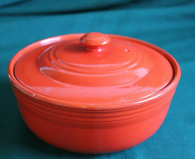 VINTAGE HALL'S CHINESE RED 5 BAND SUPERIOR QUALITY COVERED CASSEROLE