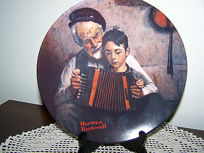 """1981 Knowles Norman Rockwell Collector Plate """"The Music Maker"""""""