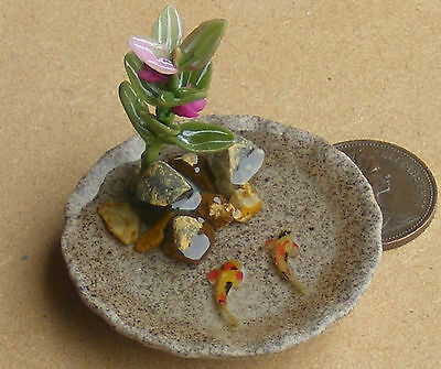 1;12 Small Round Pond With 2 Koi Carp Dolls House Miniature Garden Accessory
