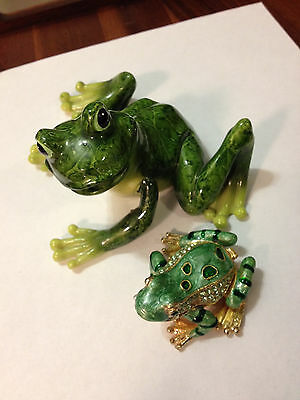 Frog Figurine Jewelry Trinket Hinged Pill Box And Smiling Garden Frog
