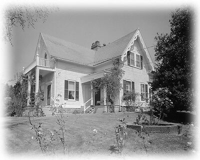 Fairy Tale Victorian Farmhouse, architectural house plans, gables, balcony