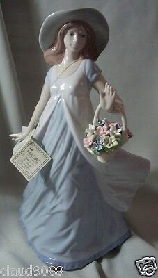"Nadal Porcelain Made In Spain ""girl With Flower Basket"" N132308E Mint & Reduced"