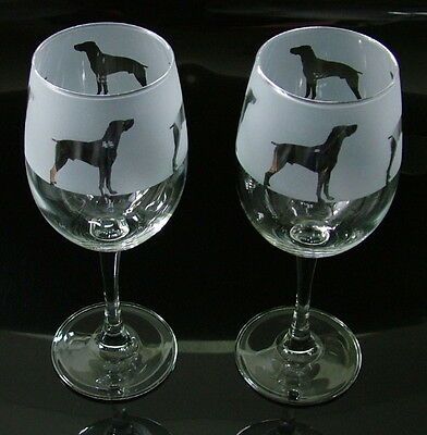 German Pointer dog Wine Glasses classic tulip shape