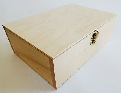 Brand New Handmade Lacquered Wooden Storage Box For Chess Pieces