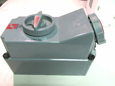 * MENNEKES Pin & Sleeve Switched Interlock Receptacle  16A,  4P ... ZH-207