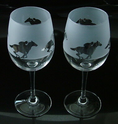 Horse racing wine glasses by Glass in the forest