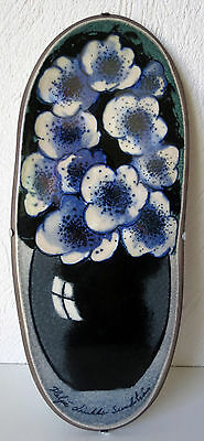 Arabia  Heljä Liukko-Sundström Flowers Wall Plate Excellent Condition