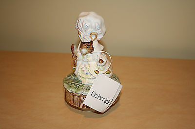"""Schmid Beatrix Potter's Lady Mouse Musical Figurine Plays """"Hello Dolly"""" NEW"""