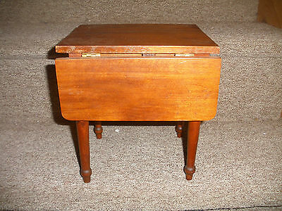 VINTAGE  Wood FOLDING TABLE  AMERICAN HEIRLOOM  COLLECTION DOLL FURNITURE
