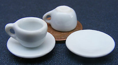 1:12 Scale 2 Ceramic Cups & Saucers Dolls House Miniature Kitchen Accessory w40