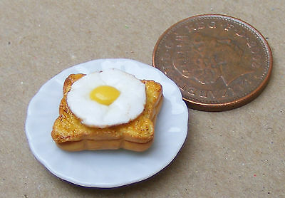 1:12 Scale Beans And Toast Fixed On A 2.5cm Ceramic Plate Tumdee Dolls House FL