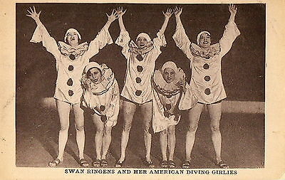 SPECTACLE Pierrot Swan Ringens and her American Diving Girlies