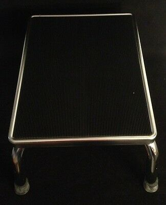 """ENTREE Steel Straight Stepping Stool Great Condition 14""""x11""""x9"""""""