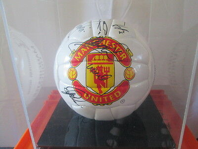 Manchester United 1999-2000 Squad Signed Football with club COA in case