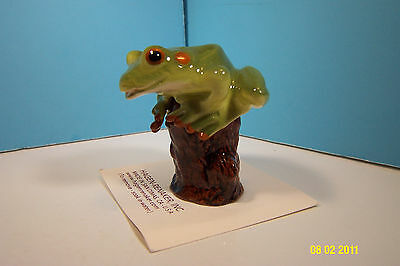 HAGEN RENAKER Tree Frog On Stump Frog Figurine-New On Card