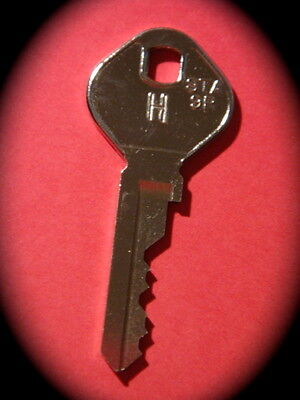 """RED PAY PHONE  """"H"""" MASTER KEY-PMG Payphone,Coin Operated-FAST FREE POSTAGE"""