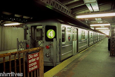NYC SUBWAY 5x7 PRINT R-62 #1415 ON #4 WITH METS LOGO AT WOODLAWN OCT 21, 2000