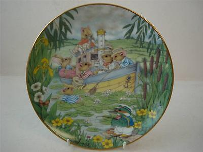 DANBURY MINT TALES FROM THE UNDERGROWTH ANCHORS AWEIGH PLATE